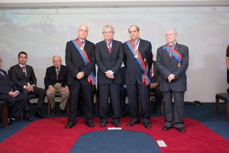 Fecomércio AM outorga Ordem do Mérito Comercial a deputado estadual Adjuto Afonso