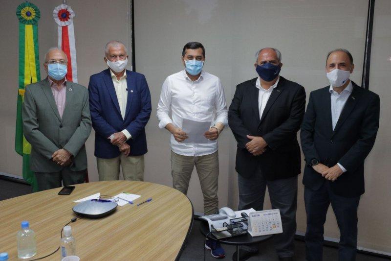 Wilson Lima recebe proposta de entidades empresariais para reabertura gradual do comércio