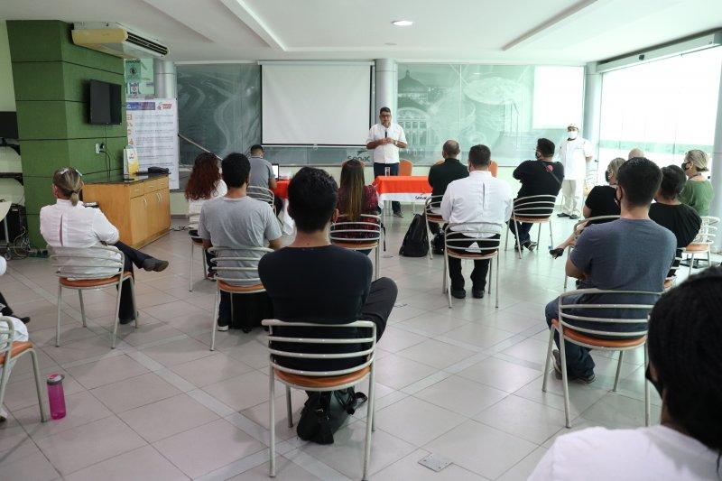 Alunos do Senac participam de palestra com empresário André Parente, da Cachaçaria do Dedé
