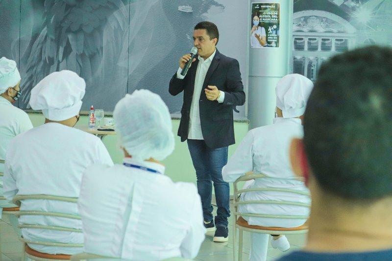 Empresário Maurício de Santis compartilha experiências com alunos no Senac