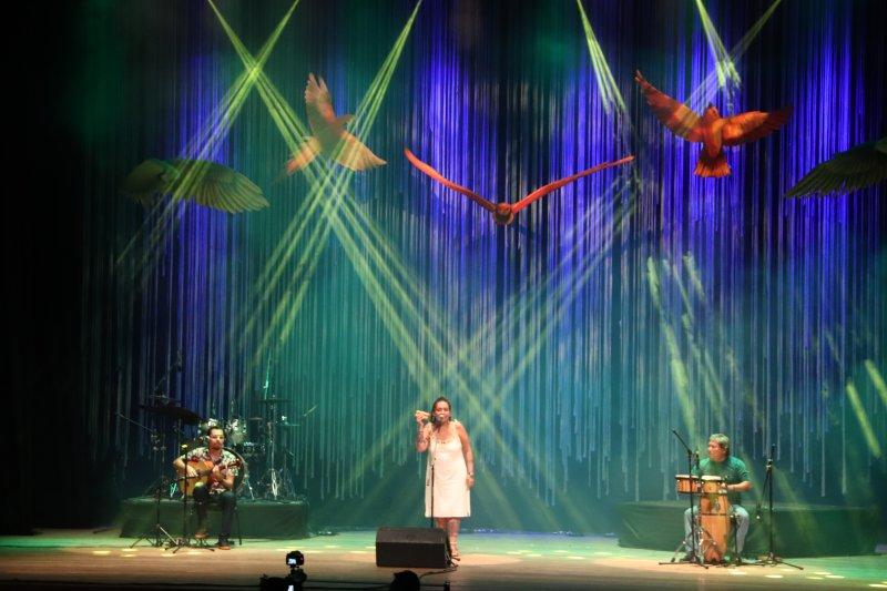 Teatro Amazonas recebe artistas regionais para Mostra de Música Canção da Mata
